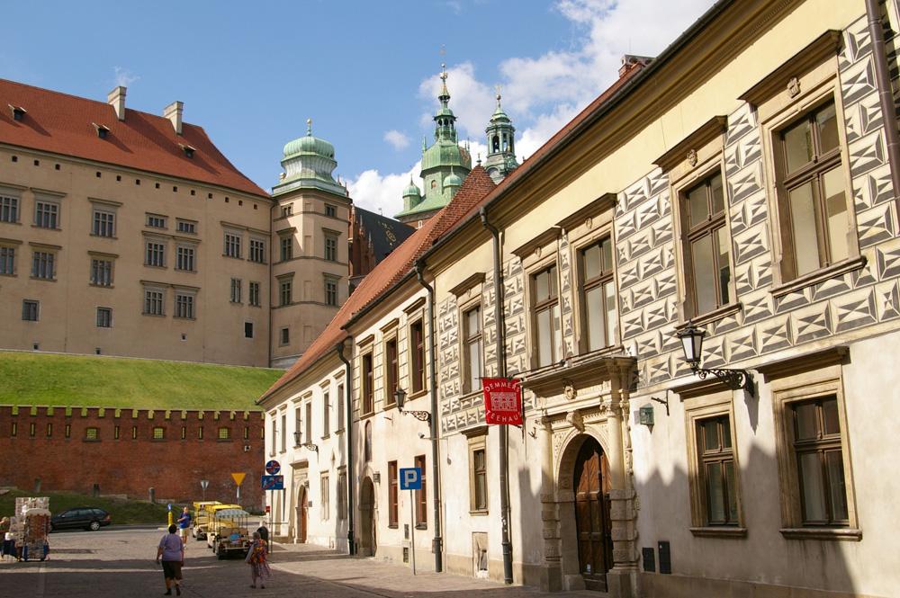 Улица Канонича, выход к Королевскому замку Вавель